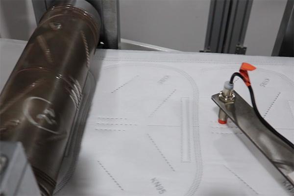 KN95全自动口罩机装料调试